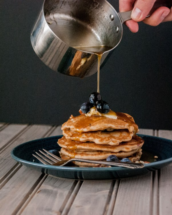 anabella-pancakes-syrup-pour